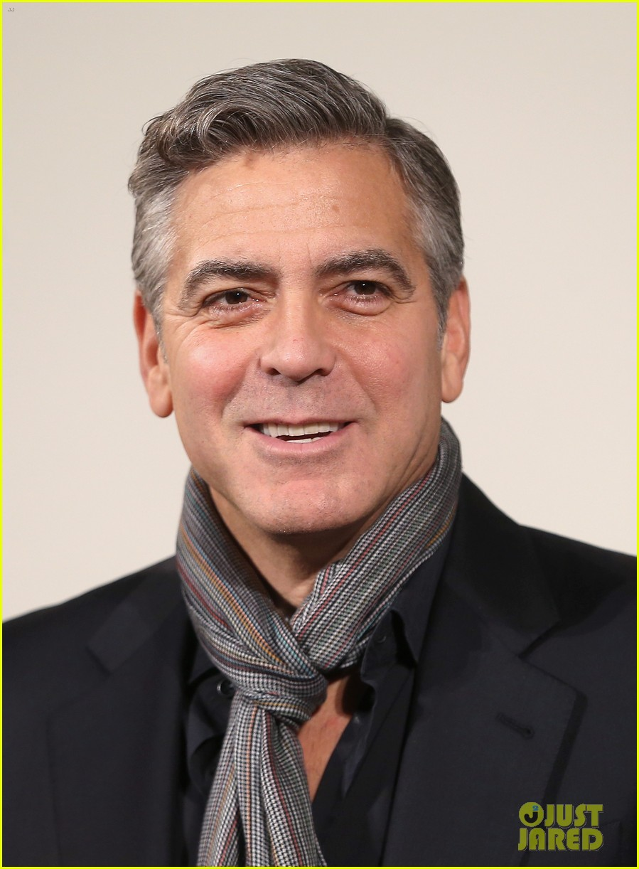 george clooney matt damon monuments men national gallery photo call 14