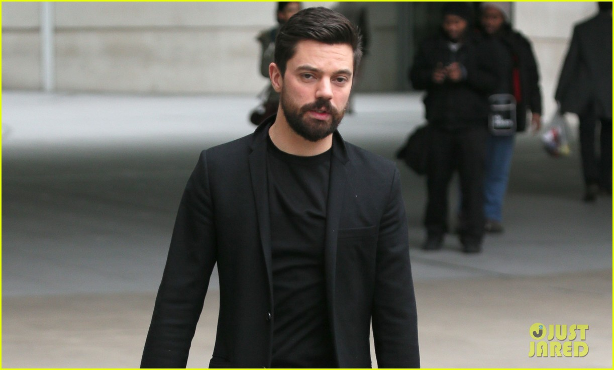 dominic cooper exposed himself in public by accident 02