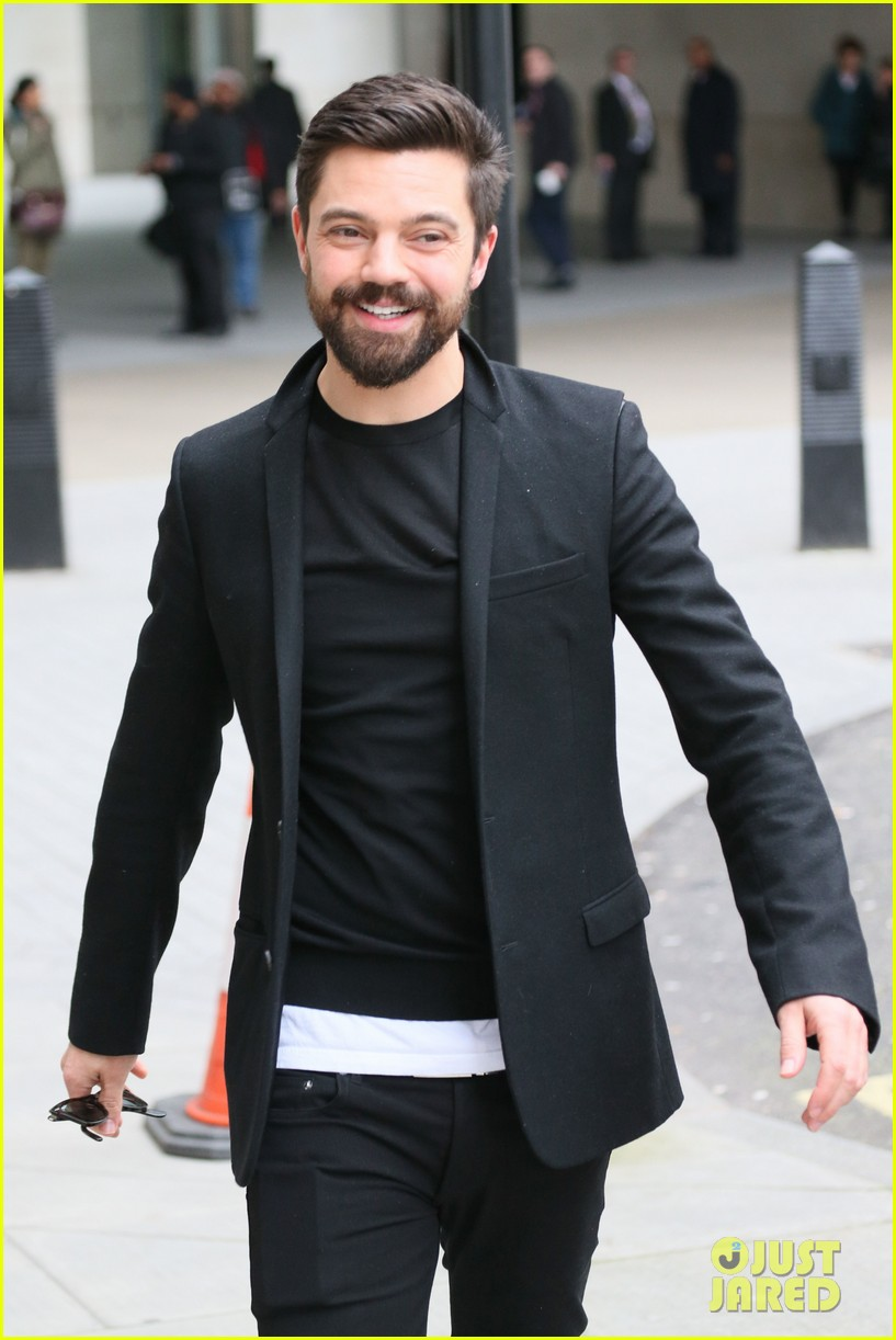 dominic cooper exposed himself in public by accident 03