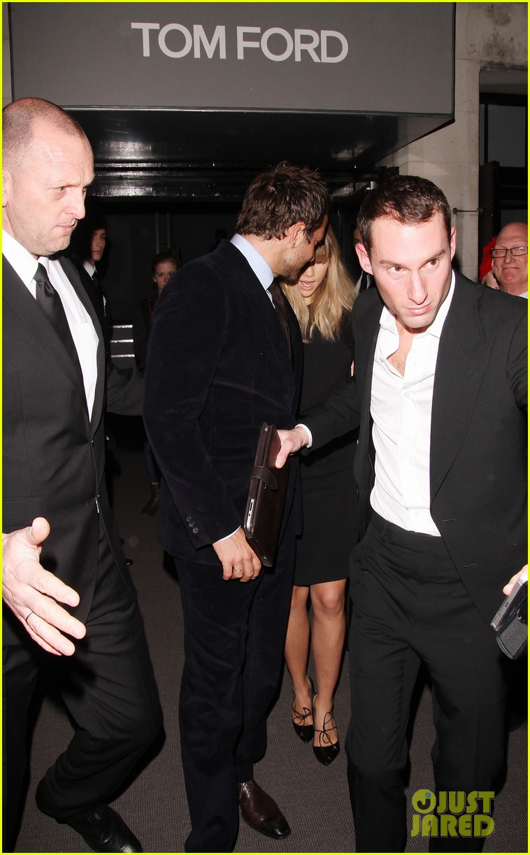 bradley cooper suki waterhouse tom ford fashion show 073055286