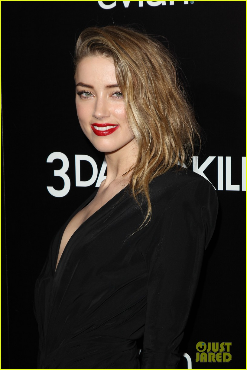 johnny depp supports amber heard at 3 days to kill premiere 203052511