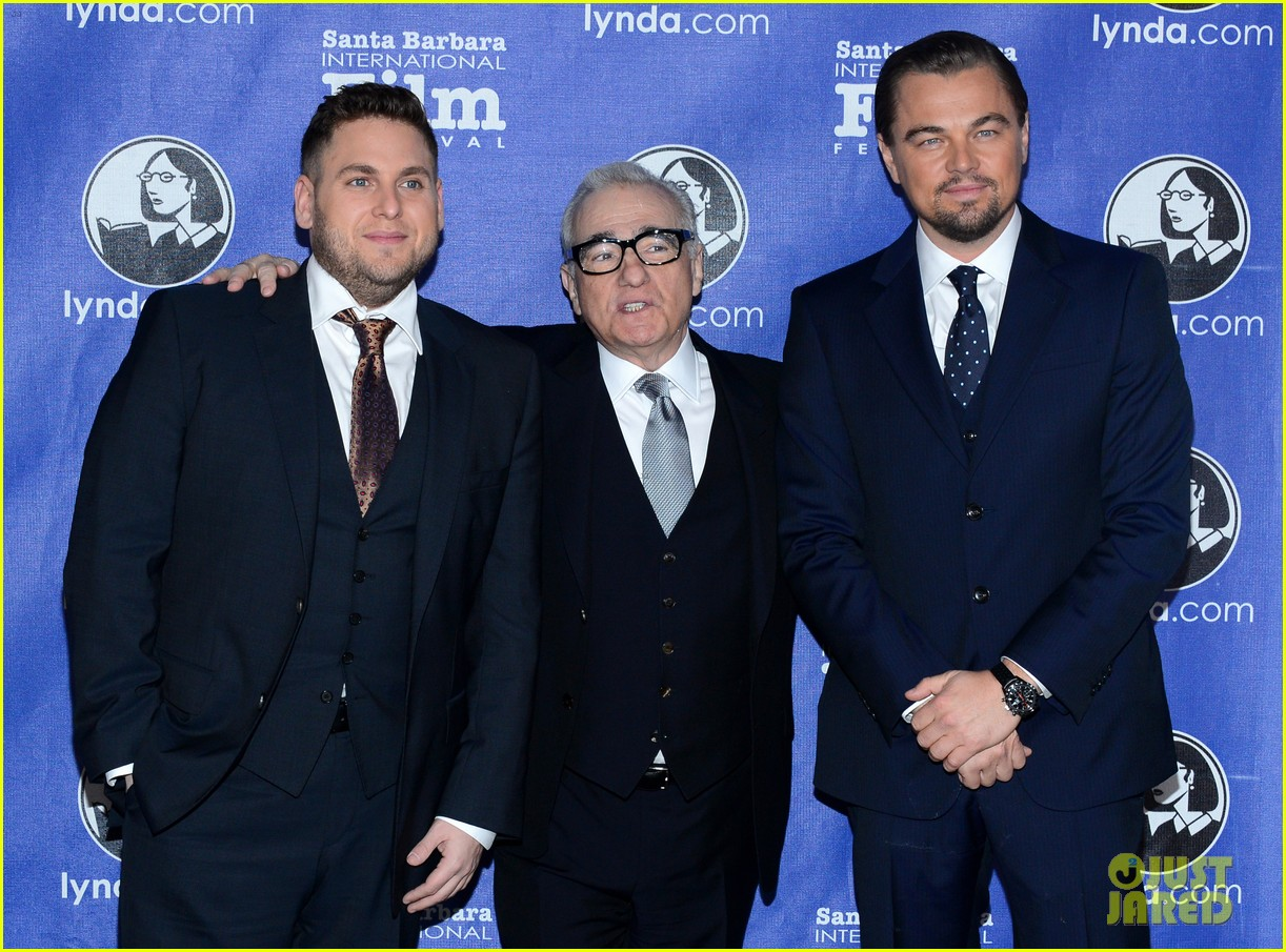 leonardo dicaprio suits up to receive cinema vanguard award 11