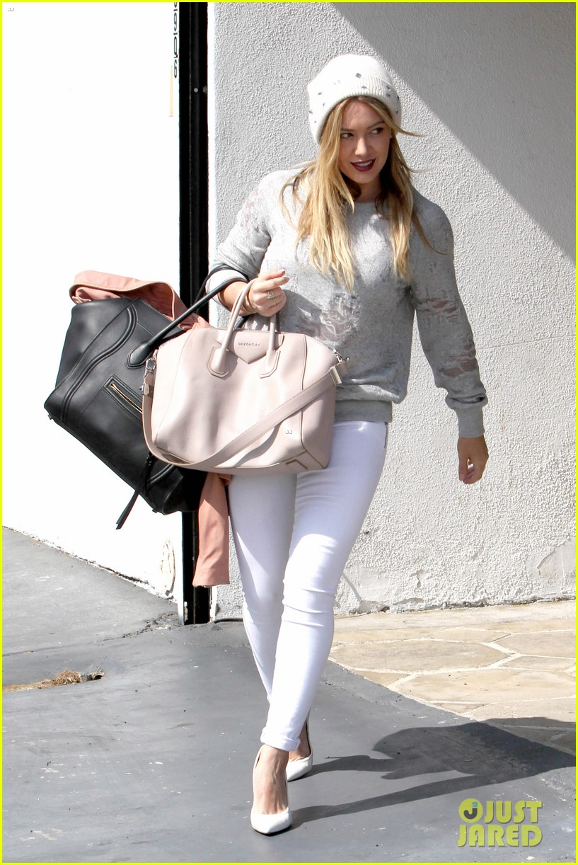 hilary duff beverly hills shopper with son luca 01