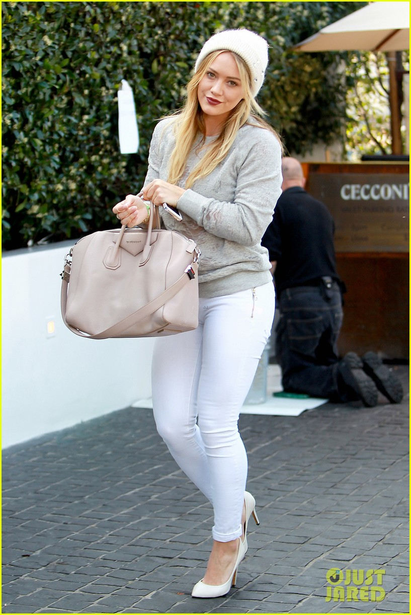 hilary duff beverly hills shopper with son luca 113057888