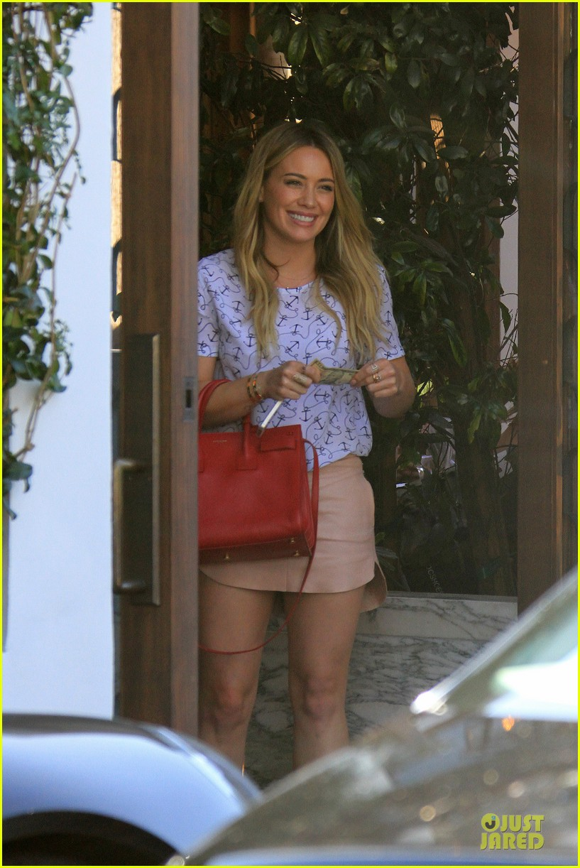 hilary duff groping allowed at cecconis 02