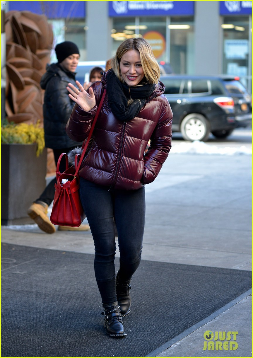 hilary duff sutton foster work on tv land pilot younger 25