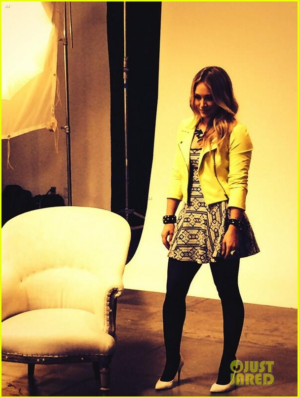 hilary duff rocks yellow for younger promo shoot 05