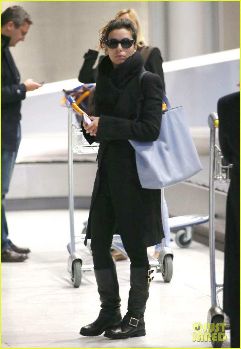 eva longoria arrives in france for loreal paris shoot 02