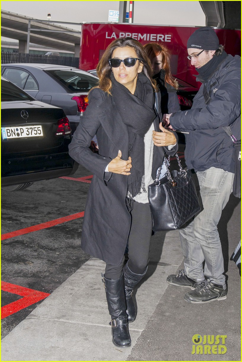 eva longoria back home after quick paris trip 03