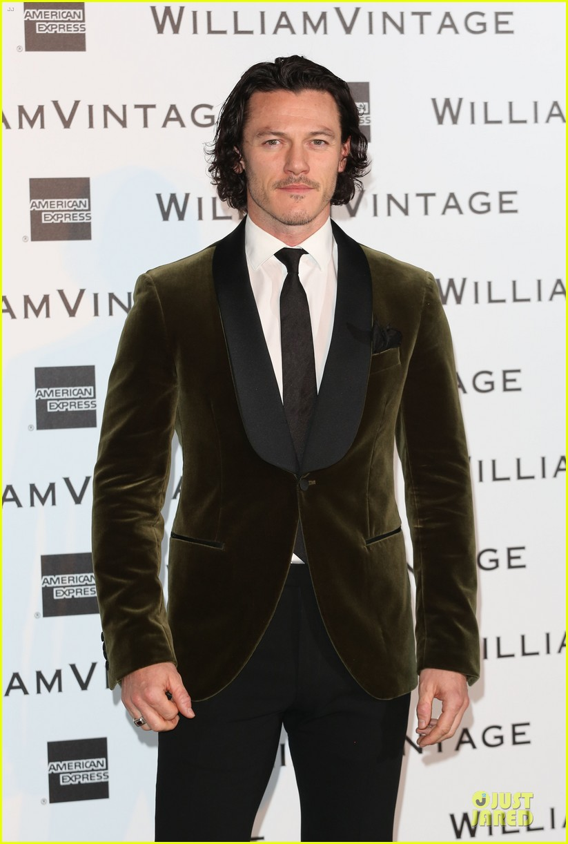 luke evans jeremy irvine suit up at williams vintage dinner 02