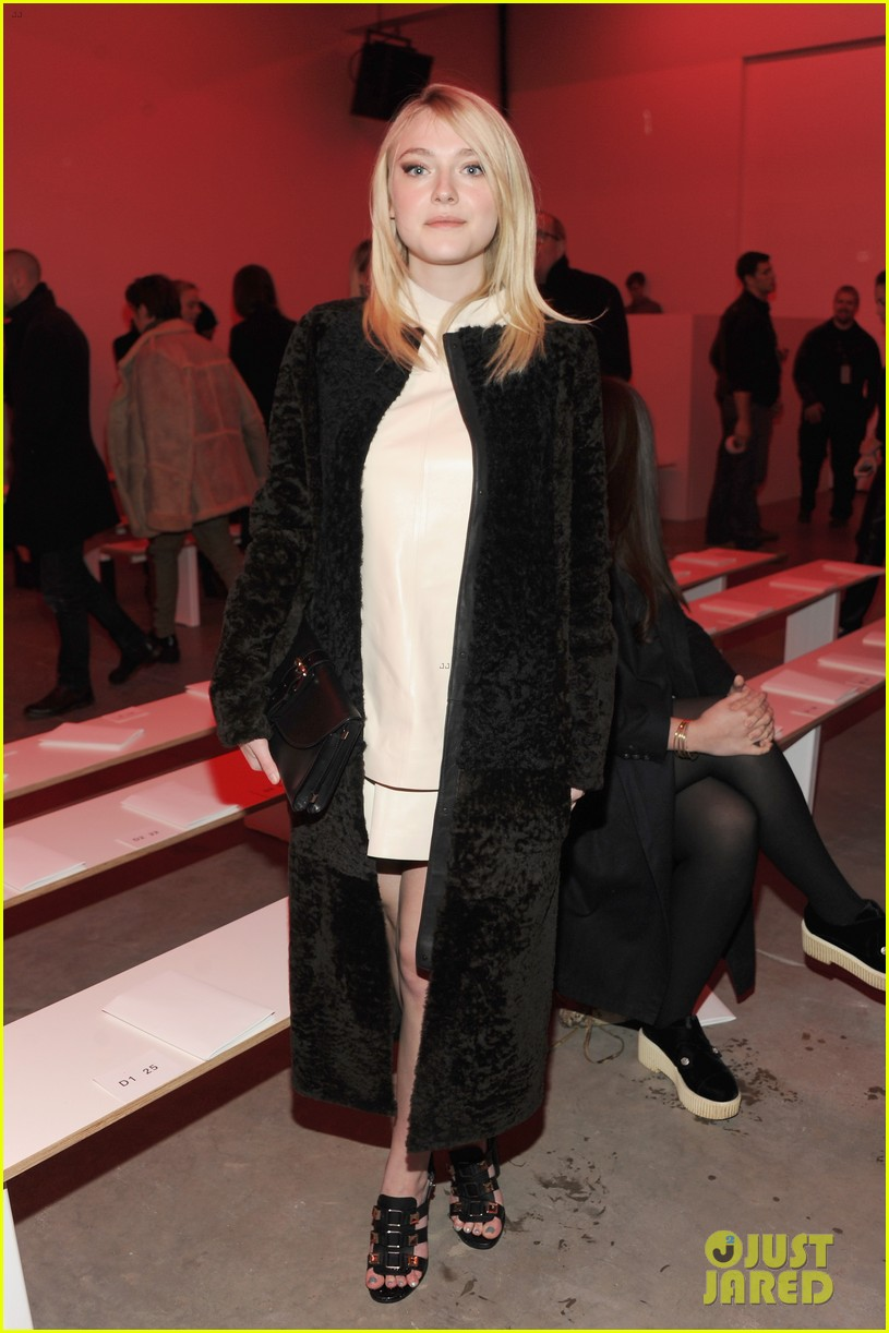 dakota fanning covers up at proenza schouler fashion show 013052472
