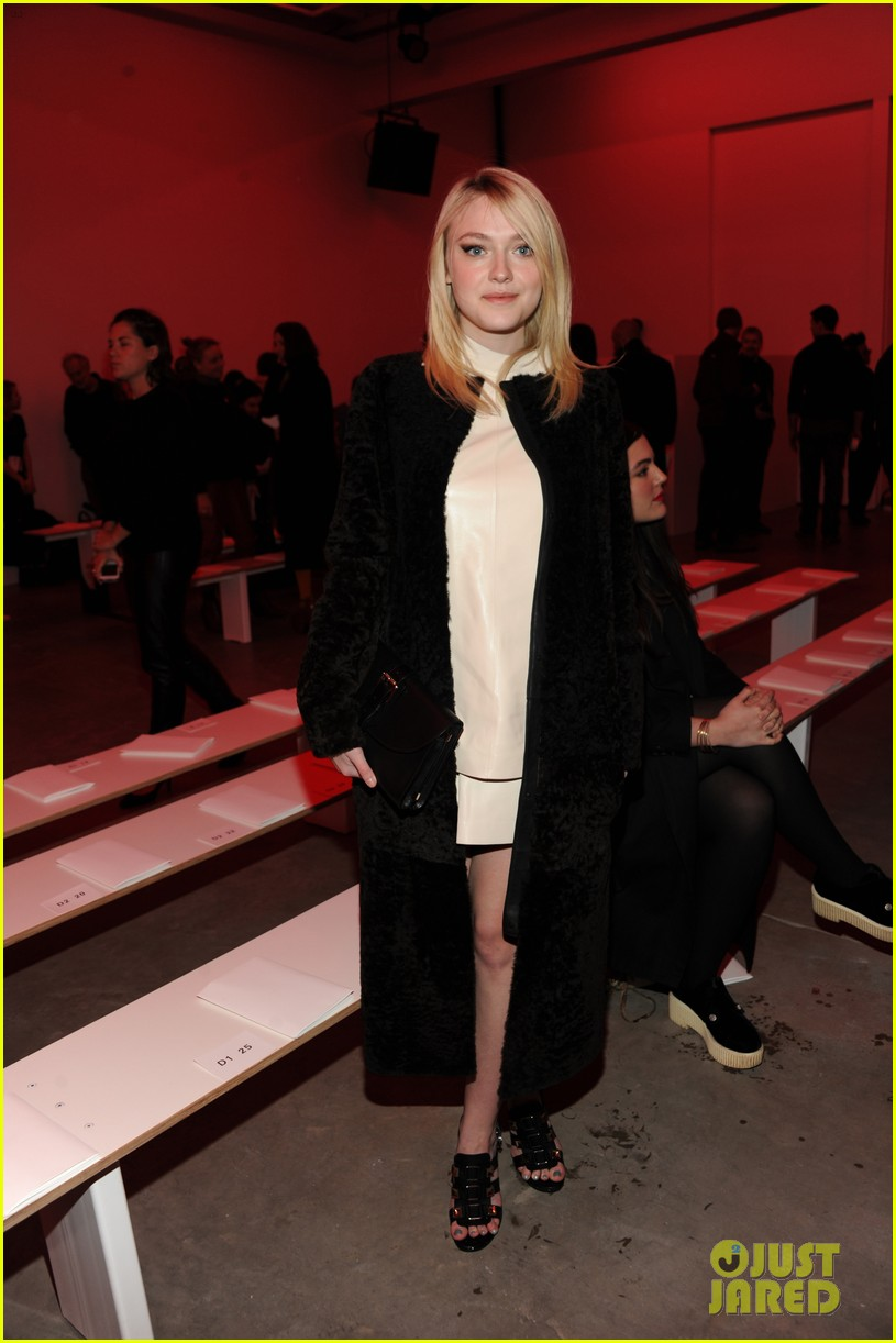 dakota fanning covers up at proenza schouler fashion show 05
