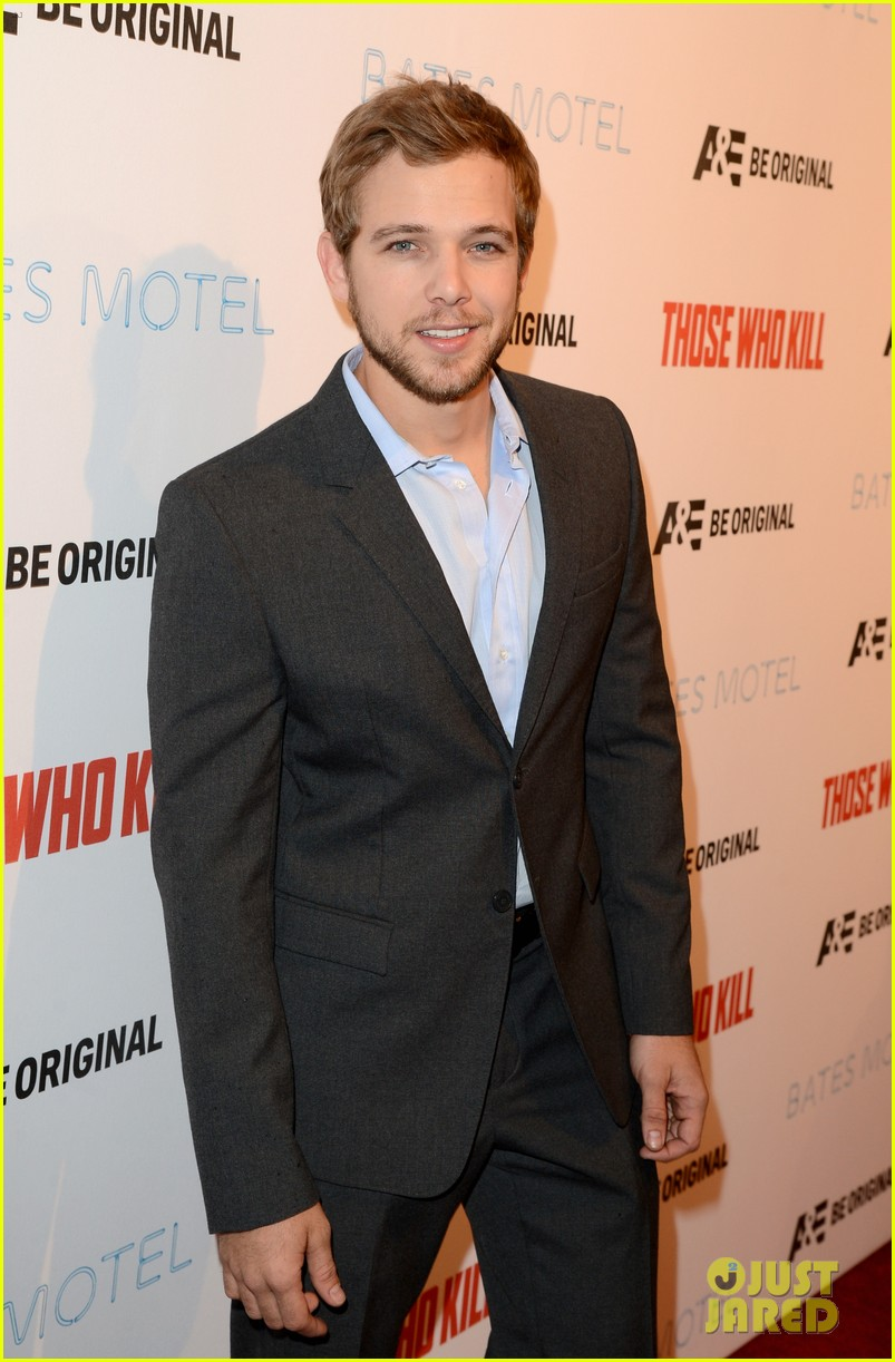vera farmiga max thieriot celebrate bates motel season 2 073061360