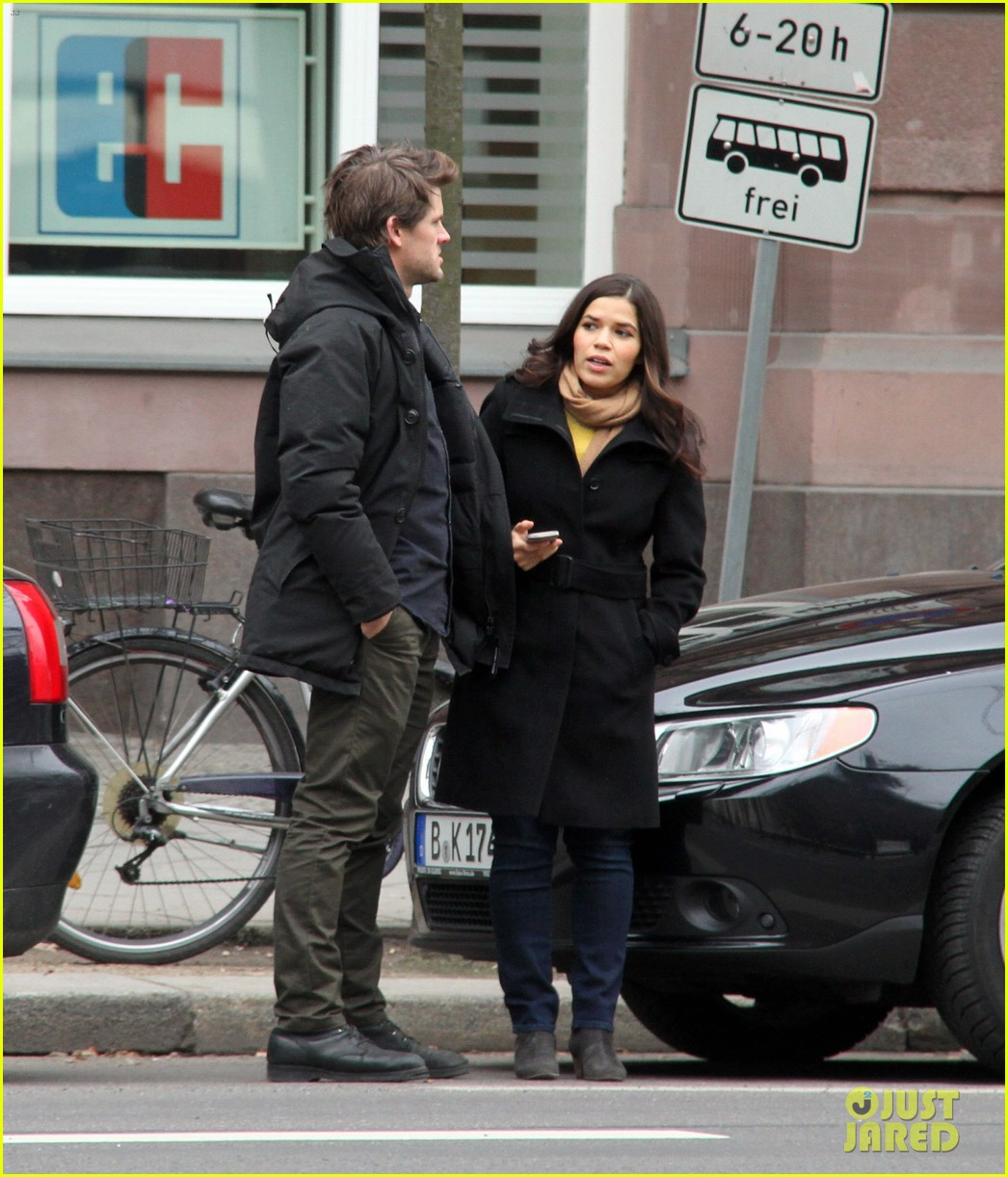 america ferrera goes sightseeing in berlin with her husband 013053255
