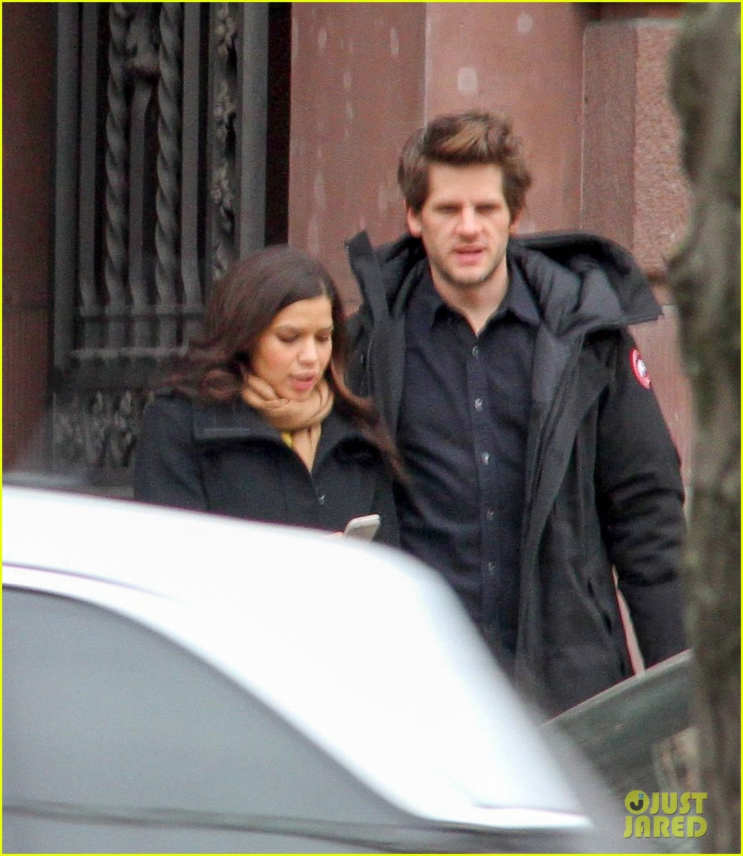 america ferrera goes sightseeing in berlin with her husband 023053256