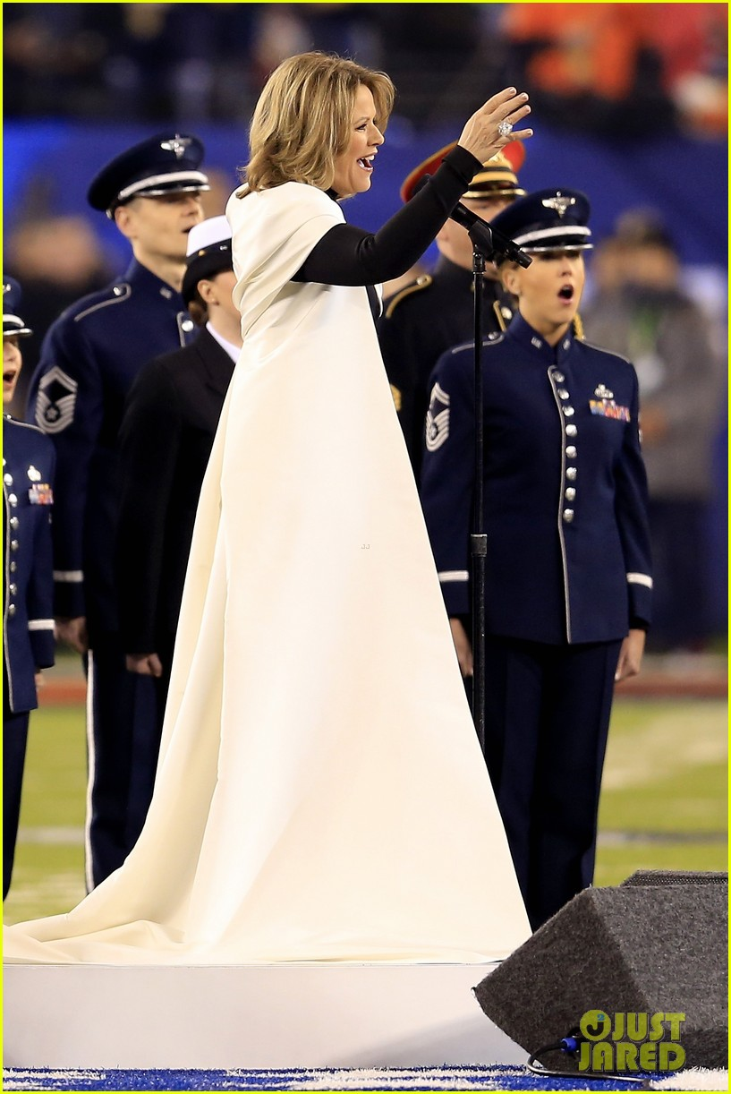 opera singer renee fleming sings national anthem at super bowl 2014 video watch now 03
