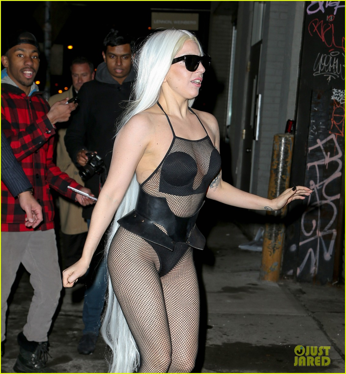 lady gaga wears almost nothing in freezing new york weather 063055337