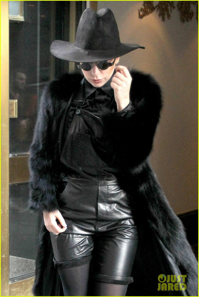 lady gaga announces artpop australia tour dates 063057142