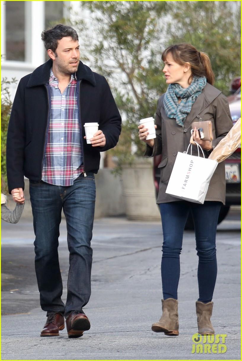 jennifer garner ben affleck will spend the summer in detroit 03