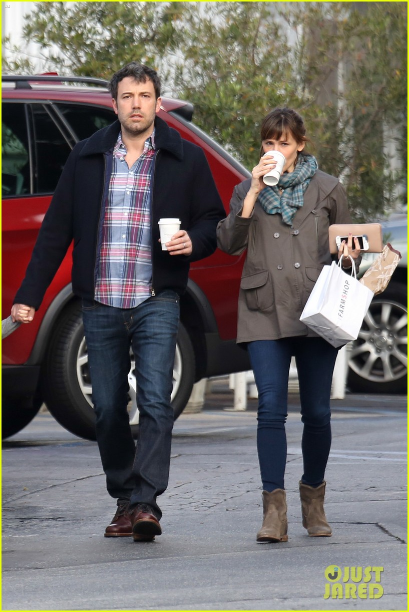 jennifer garner ben affleck will spend the summer in detroit 10