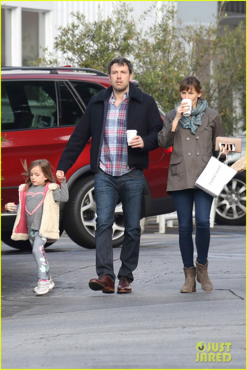 jennifer garner ben affleck will spend the summer in detroit 113048762