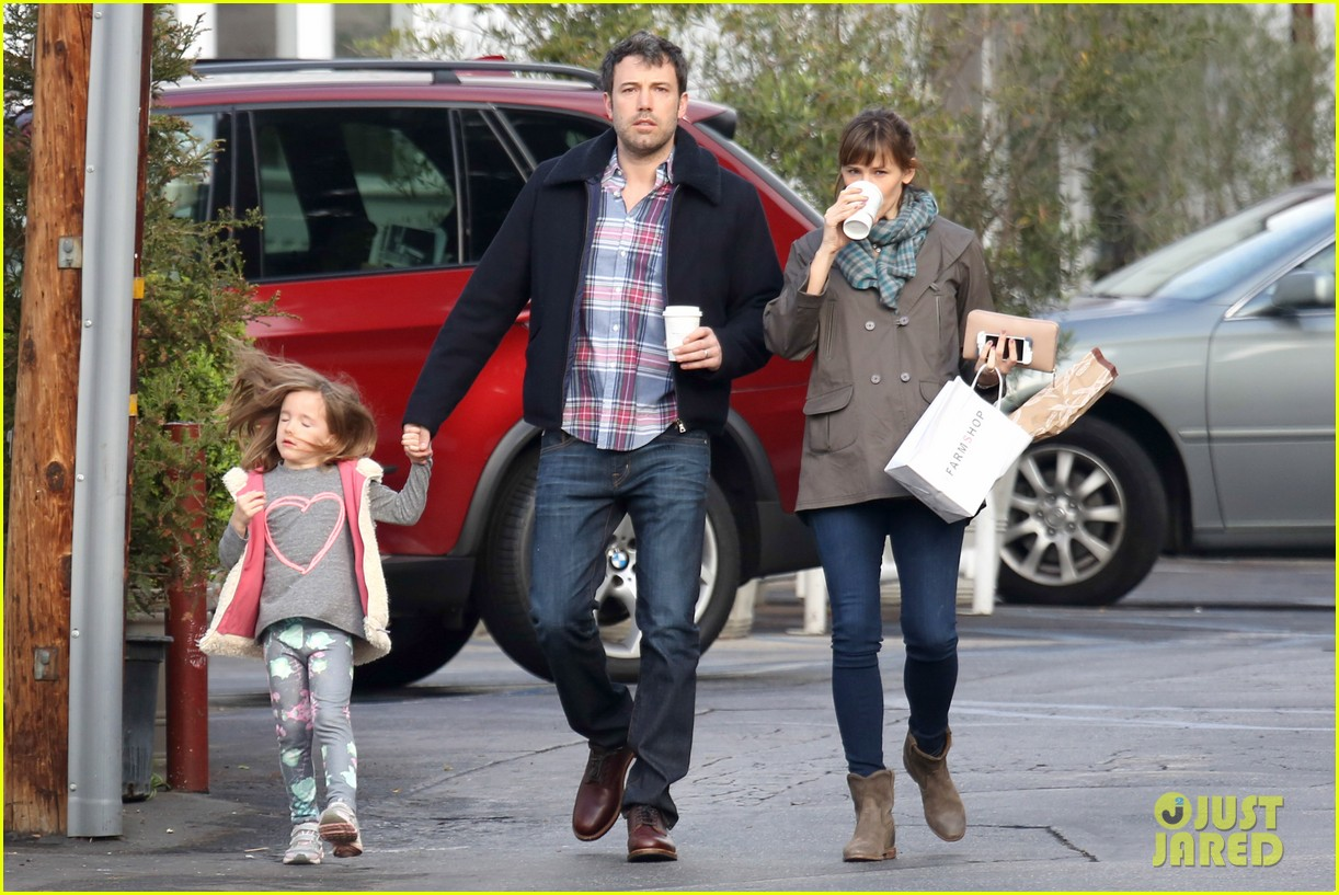 jennifer garner ben affleck will spend the summer in detroit 12