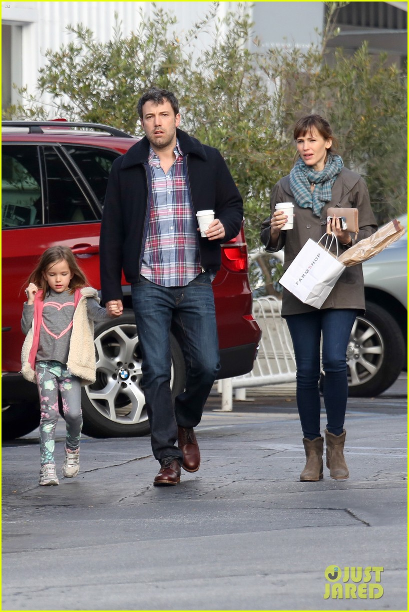 jennifer garner ben affleck will spend the summer in detroit 17