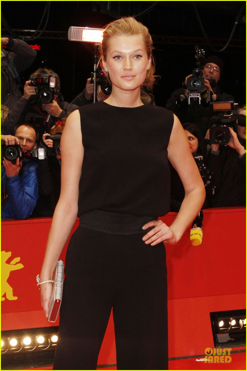 toni garrn bares back at monuments men berlinale premiere 02