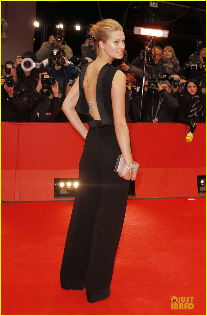 toni garrn bares back at monuments men berlinale premiere 03