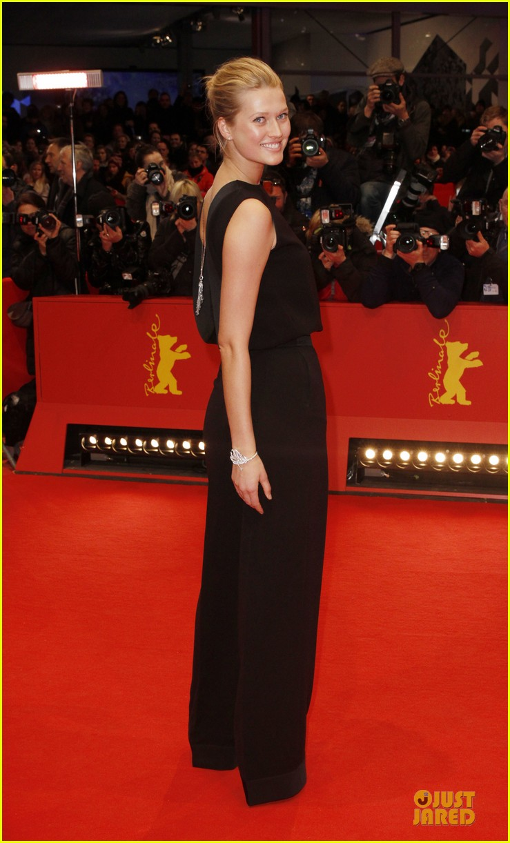 toni garrn bares back at monuments men berlinale premiere 08