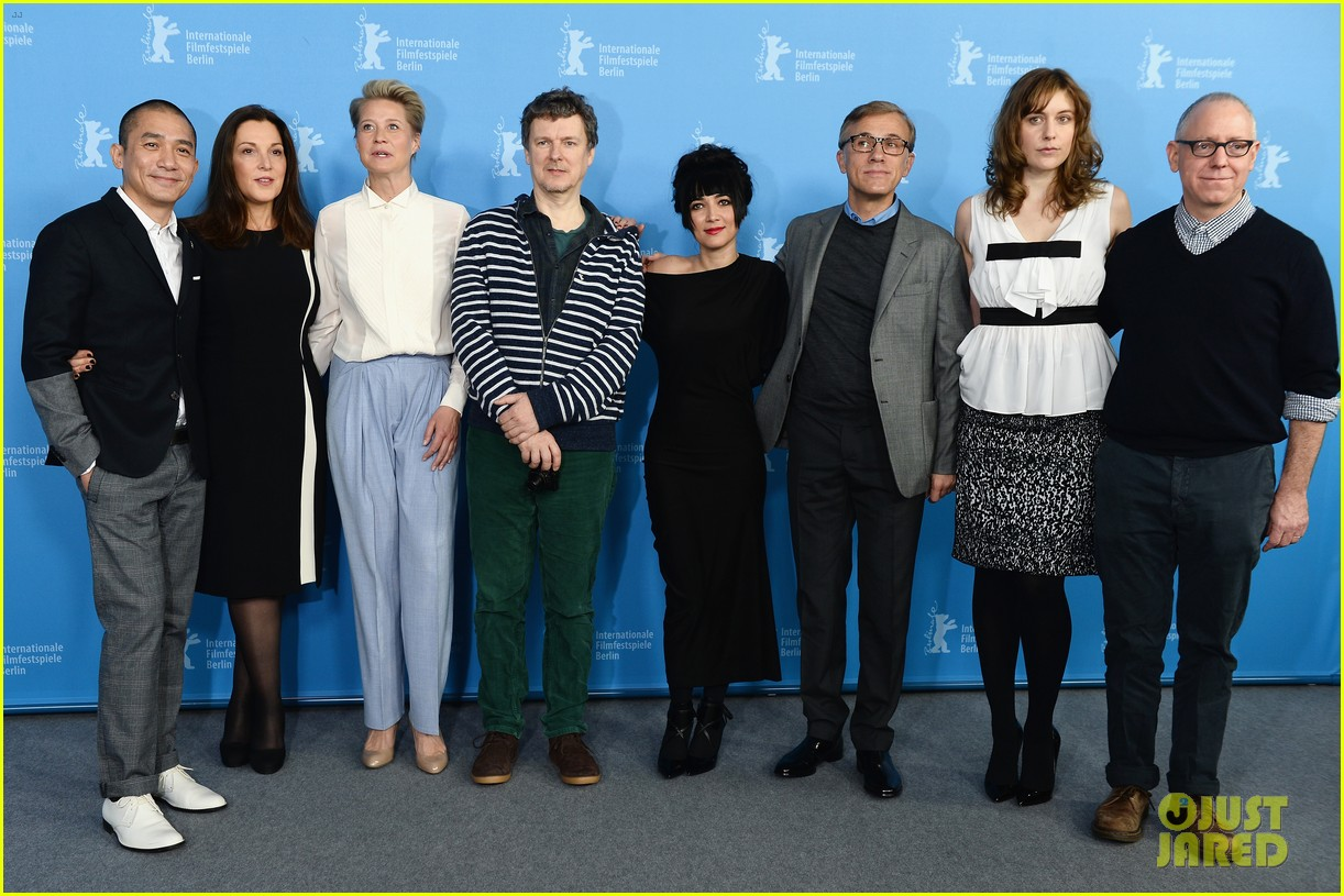 greta gerwig christoph waltz berlinale festival 2014 jury photo call 05
