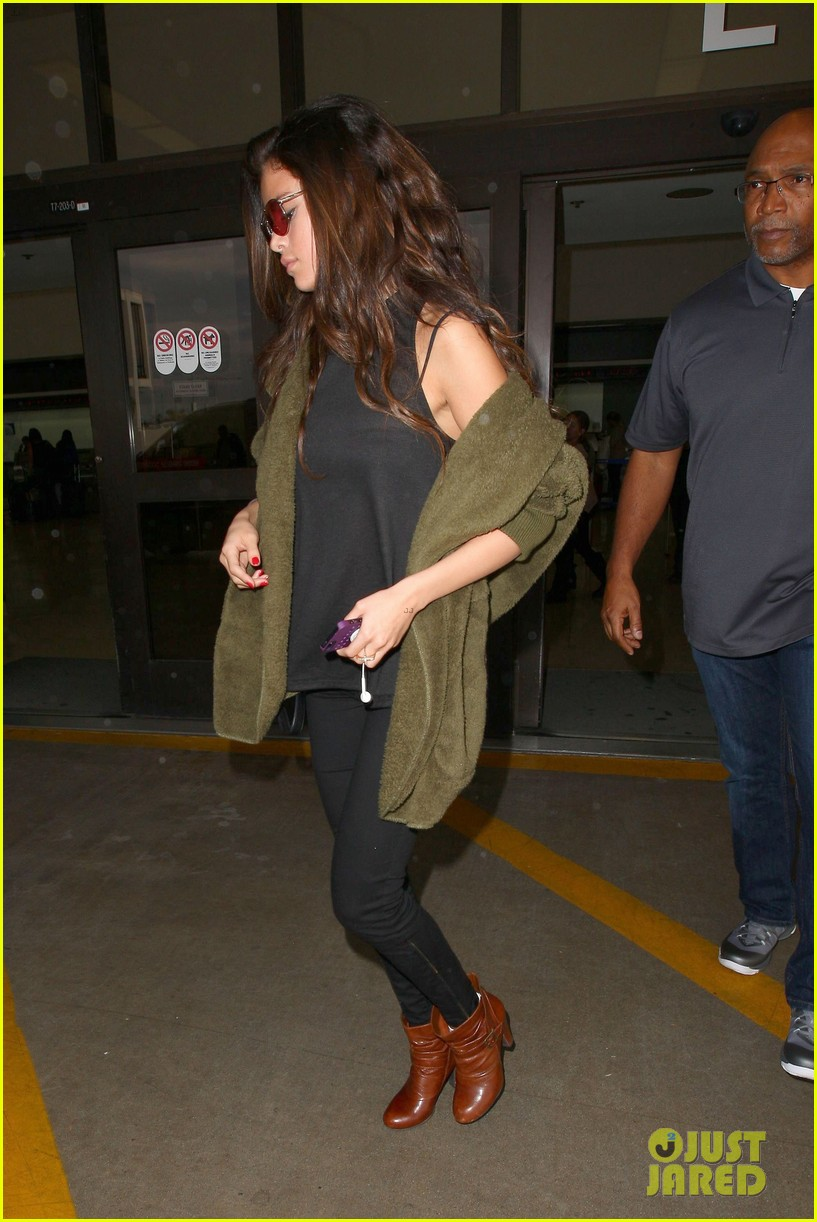 selena gomez is back in los angeles after quick trip away 173061196