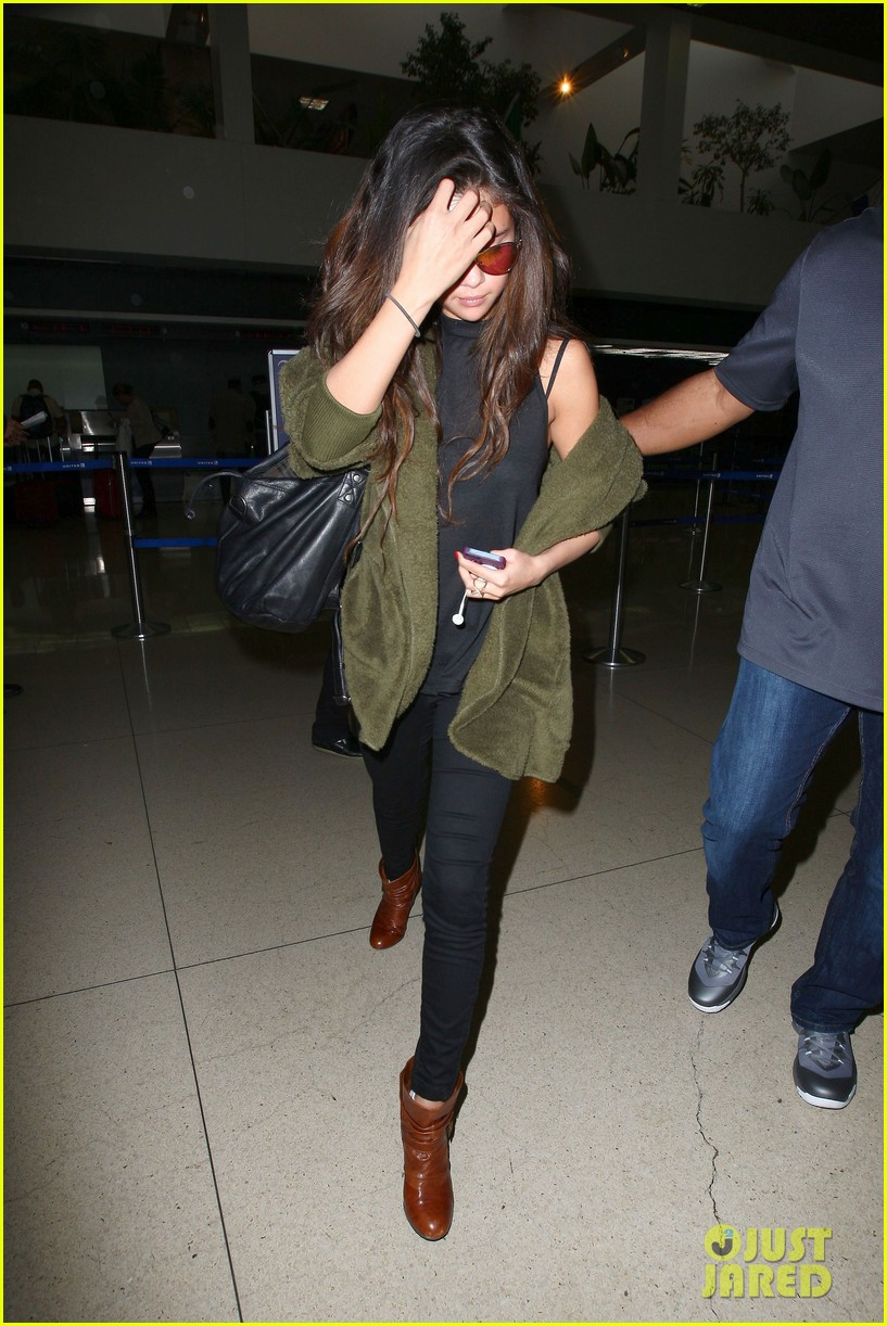 selena gomez is back in los angeles after quick trip away 24