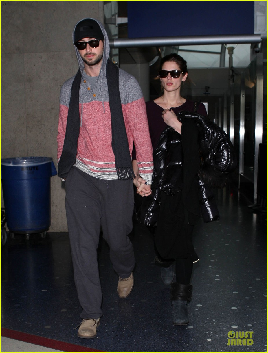 ashley greene paul khoury hold hands after super bowl game 03