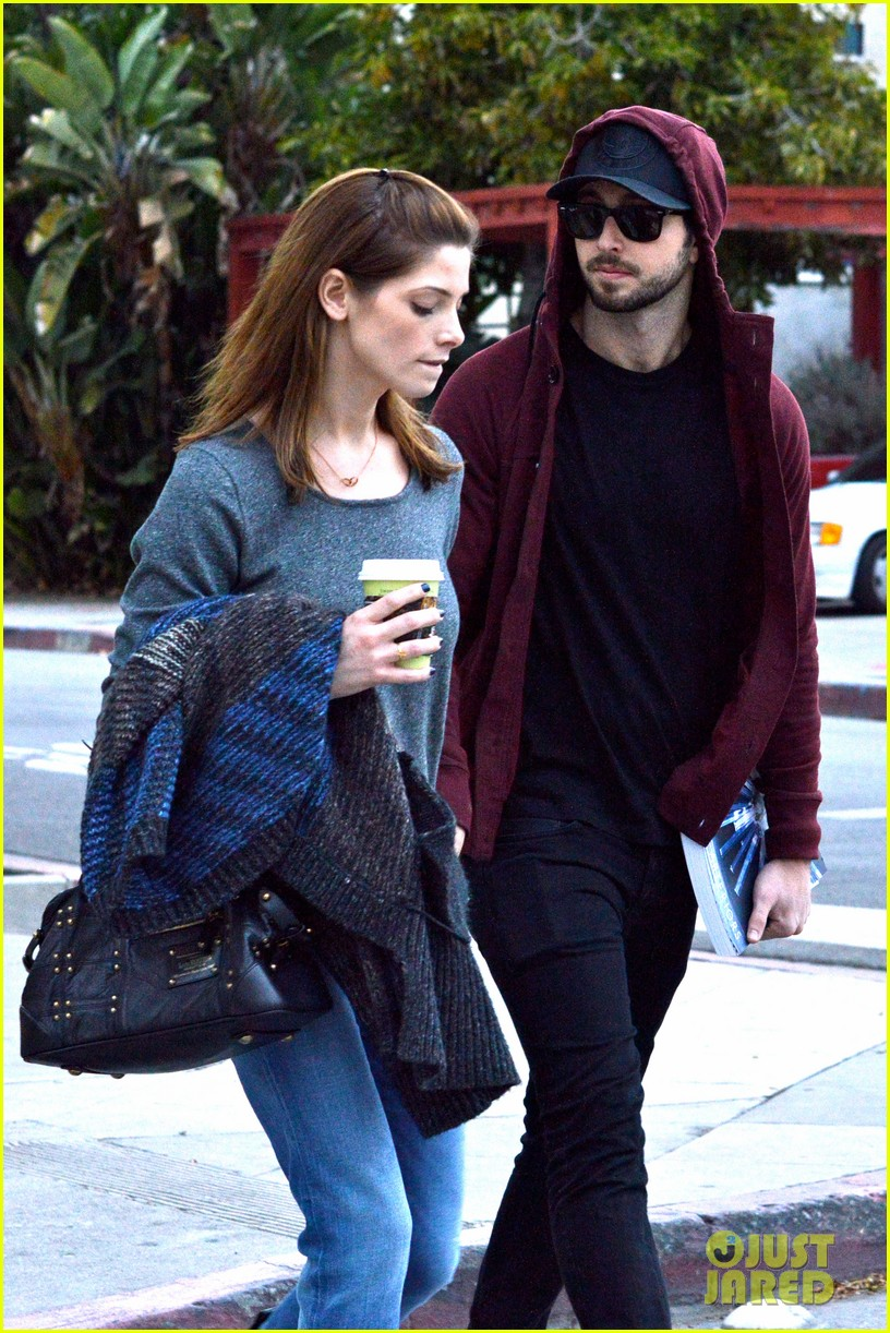ashley greene paul khoury look in love while shopping 05