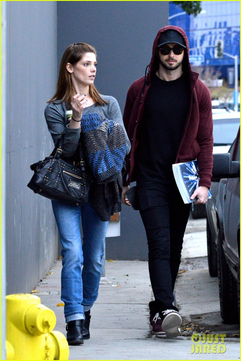 ashley greene paul khoury look in love while shopping 093049133