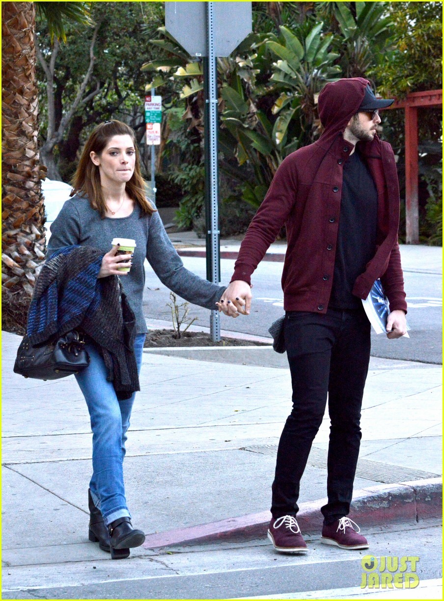 ashley greene paul khoury look in love while shopping 10