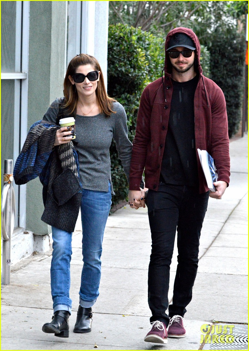 ashley greene paul khoury look in love while shopping 13
