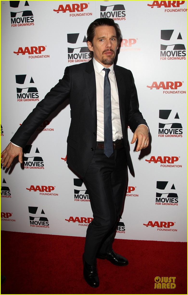 ethan hawke will forte suits aarp movies for grownups awards 09