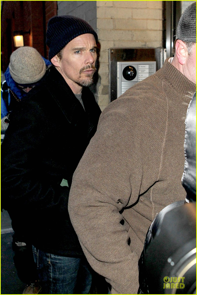 ethan hawke visits mimi odonnell following philip seymour hoffman death 04