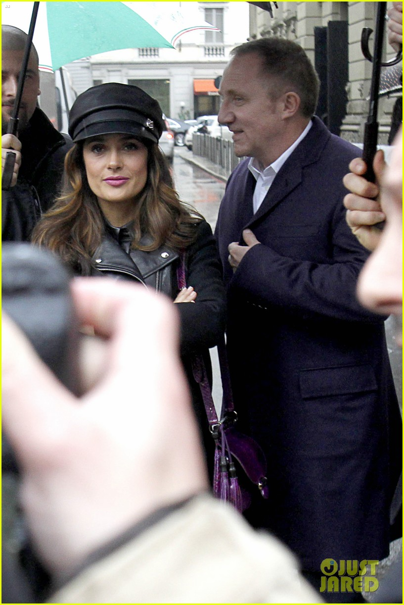 salma hayek gucci fashion show with francois henri pinault 153056656