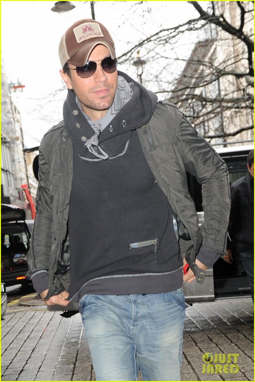 enrique iglesias radio show host insults his uncle live on air 143048522