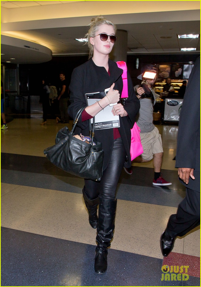 ireland baldwin heads back to los angeles after nyfw 09