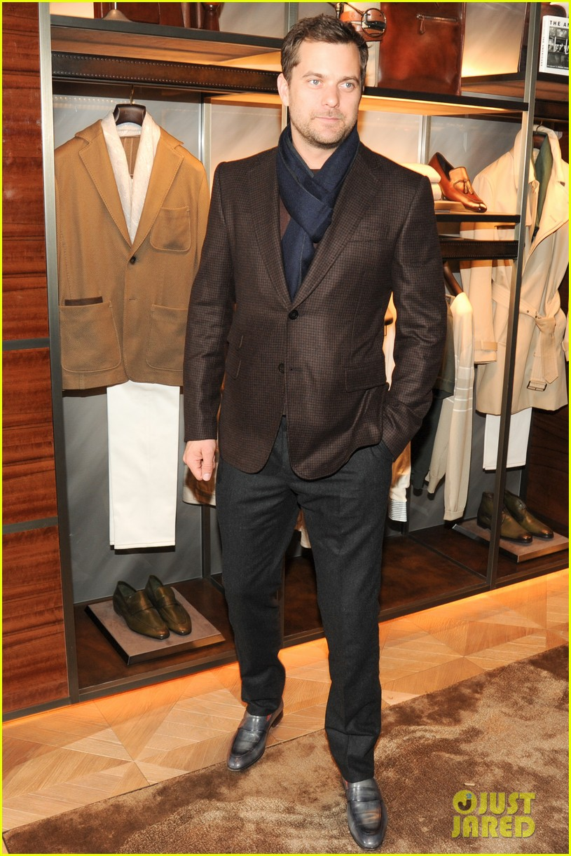 joshua jackson celebrates opening of berlutis first us store 01