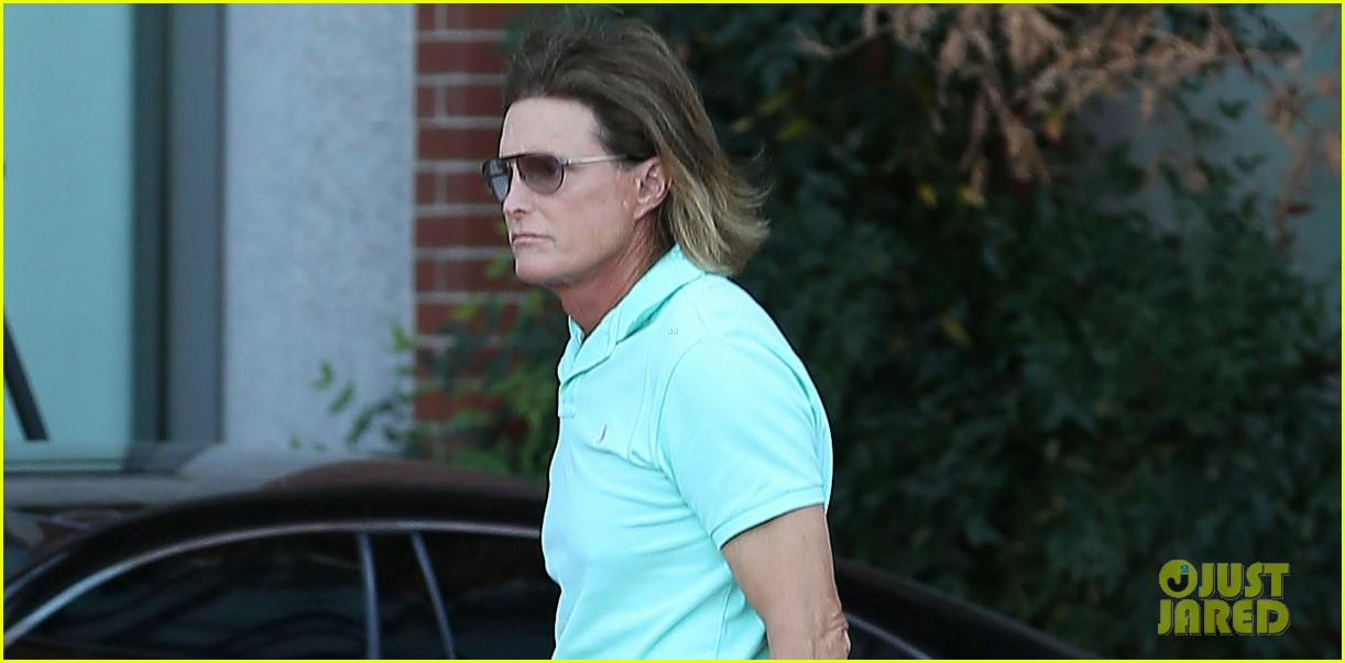 bruce jenner undergoes adams apple surgery see kardashians star see first photo post surgery 02