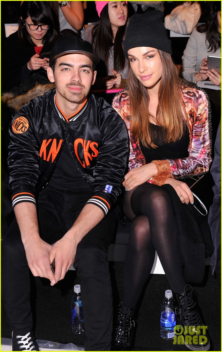 joe jonas blanda eggenschwiler custo barcelona show sweeties 033050310