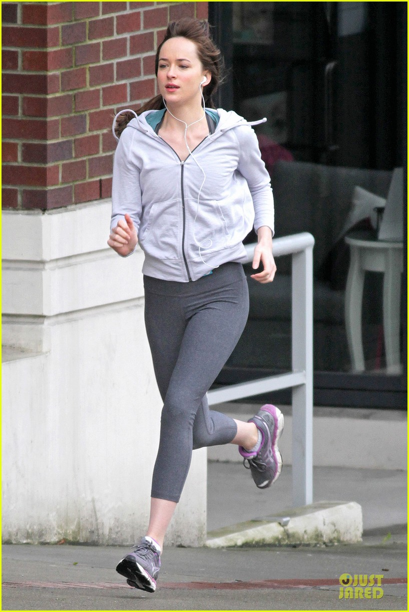 dakota johnson runs for fifty shades in pigtails 03