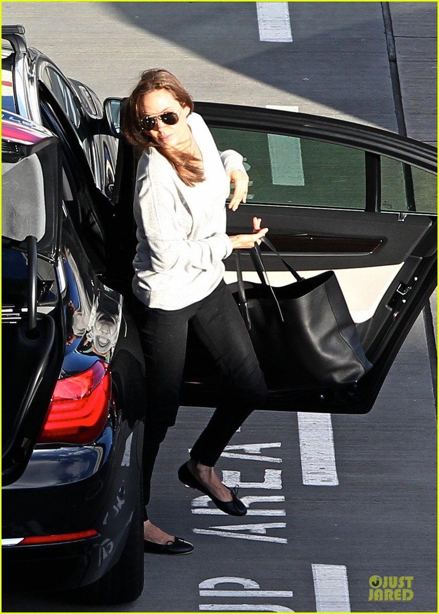 angelina jolie brad pitt post valentines day reunion in london 013053921