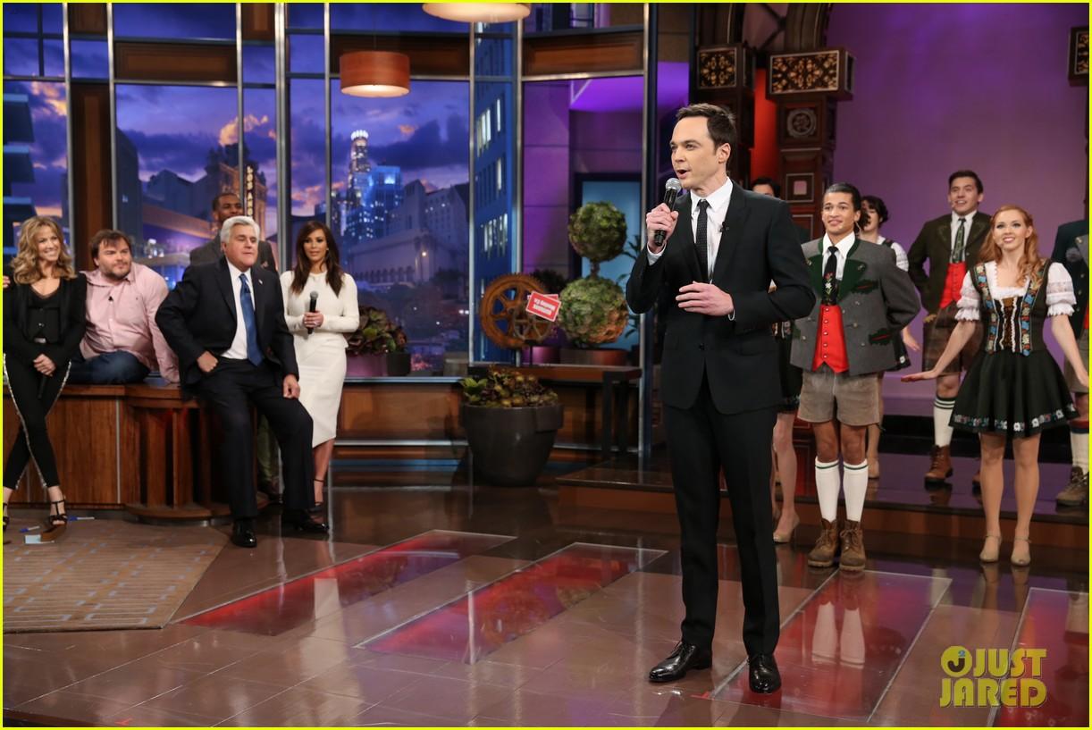 kim kardashian oprah sing for jay leno at his final show 10