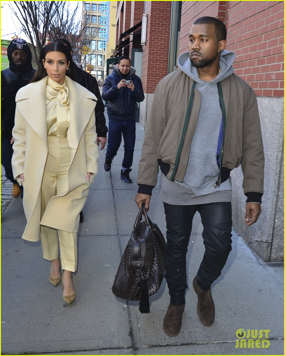 kim kardashian kanye west go shopping together in soho 01